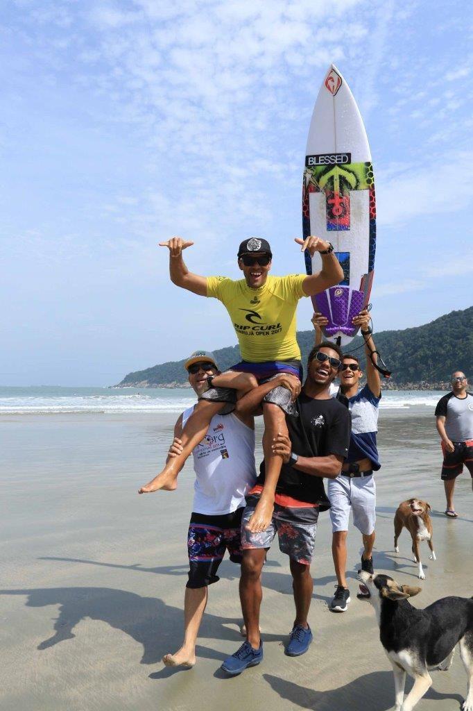 Rip Curl Guarujá Open na Praia do Guaiúba